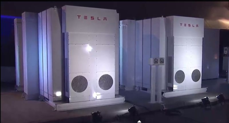 Elon musk powerpack power for building
