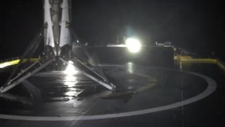 SpaceX 5jcsat_first_stage_land_2
